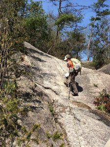 ★落ケ滝線 崖をロープにて